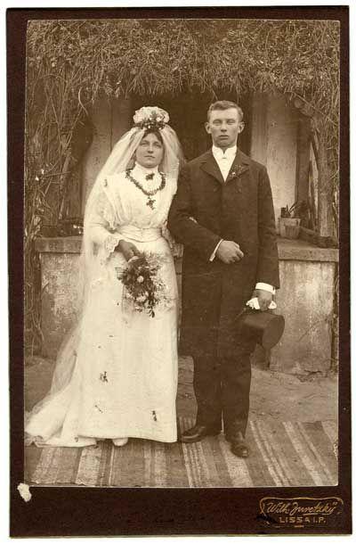Fotografia / Nowożeńcy, fot. W. Juretzky, Lissa (obecnie Leszno) na Dolnym Śląsku, pocz. XX w.