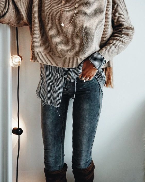 LOVE this layered look. Gives a feeling of effortlessness