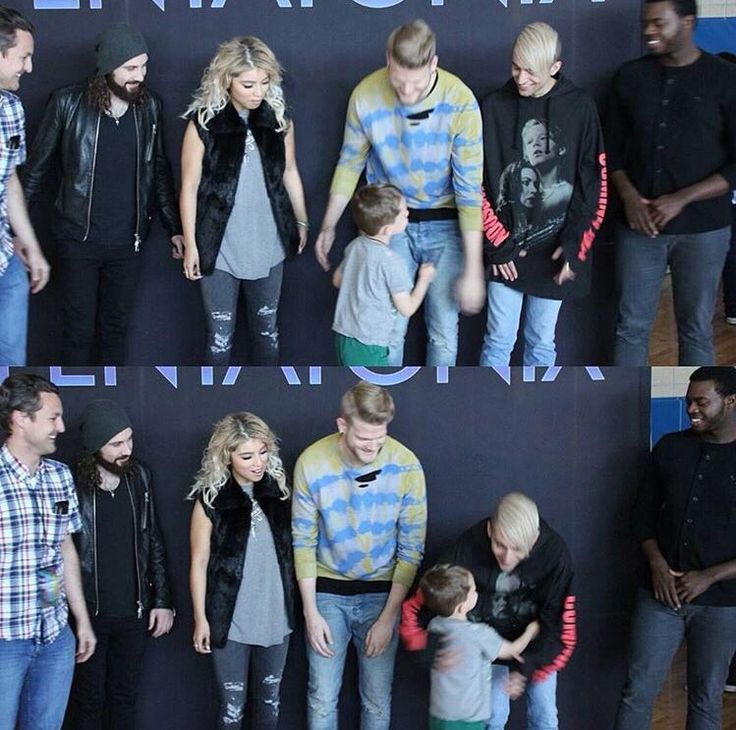 30 Things You Should Know About Pentatonix THIS IS THE CUTEST THING I HAVE HONESTLY EVER SEEN!!!! THIS CHILD IS SO ADORABLE HE LOVES MITCH OMGGGGG