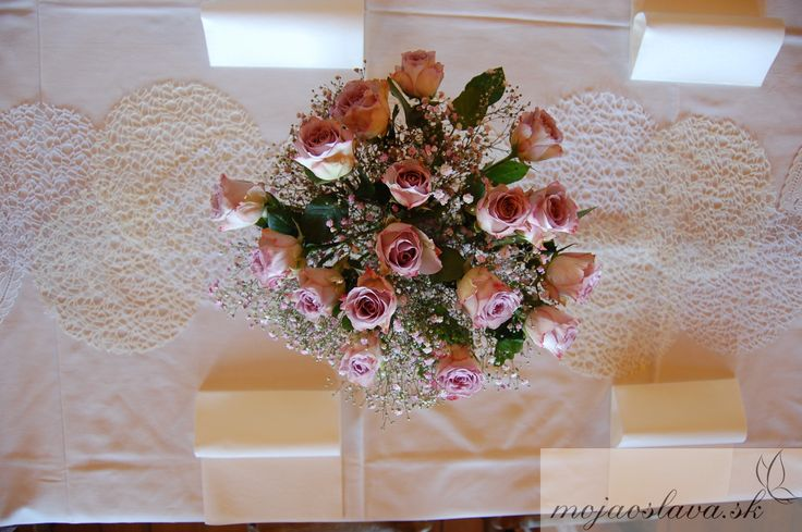 pink gypsophila with pastel purple roses