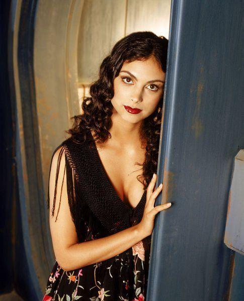 "Morena Baccarin (photo ©2002 Twentieth Century Fox http://www.imdb.com/media/rm734042368/nm1072555). How I picture Olivia ""Snow"" White."