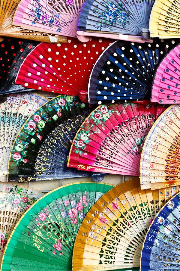 A Spanish fan is the perfect souvenir from Sevilla, Spain! devourspain.com