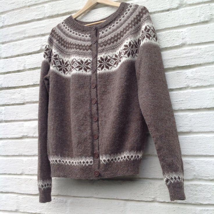 Nancy kofte, strikket i Sandnes Mini Alpakka, til bonusdatter Silje