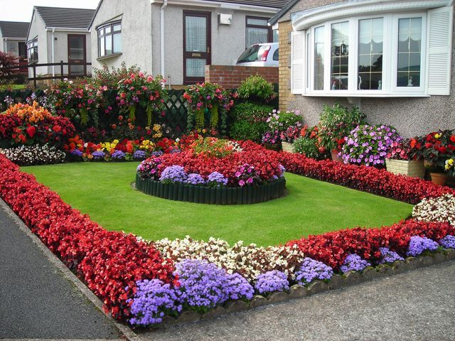 coloured borders with lawn and centre feature