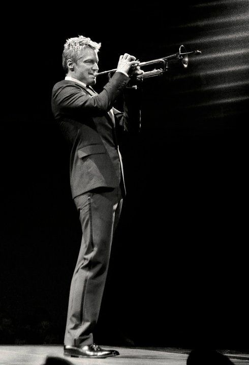 Chris Botti...My favorite trumpet performer ever. Finesse, range, sound, style, artistic interpretation, showmanship, etc...he has it all.