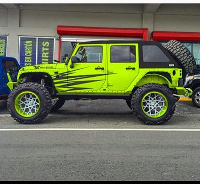 lime green jeep - 640×587