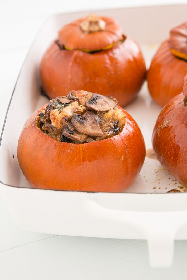 Baked Pumpkins with Spinach, Mushrooms, and Cheese