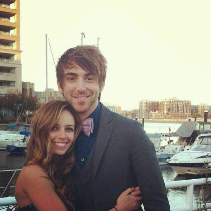 Alex gaskarth and lisa ruocco dating. Dating for one night.