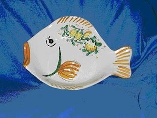 piatto pesce grande in ceramica dipinta a mano