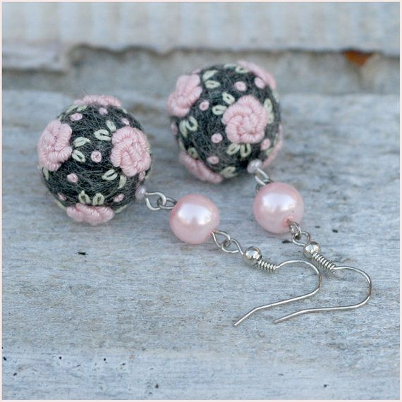 Embroidered felt ball earrings Frozen Roses in by NettesRoseGarden, €20.00