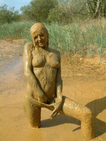 girls naked covered in mud