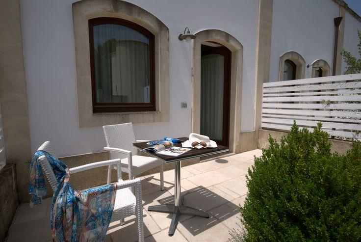 Patio privato della camera - Room patio #room #holiday #patio #doubleroom #familyroom #hotel #masseria #puglia #italy #masseriacordadilana #travel