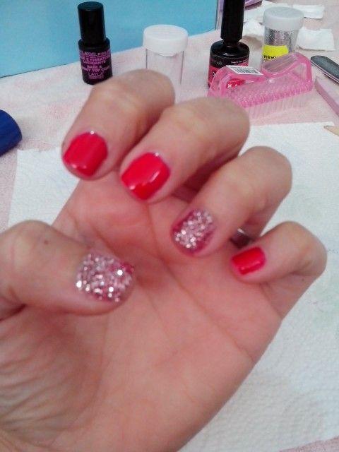 Semipermanente rosso con glitter