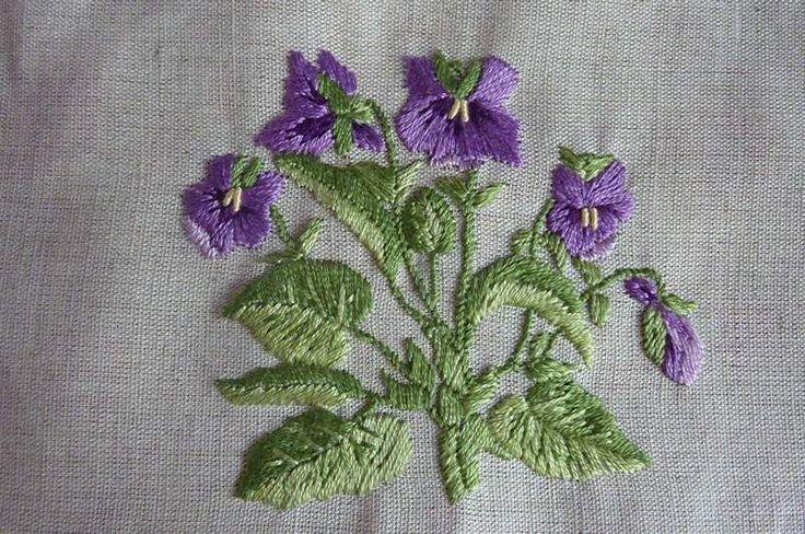 le temps des violettes - Photo de Côté broderie traditionnelle (2011-2012) - Les Broderies de Sophie