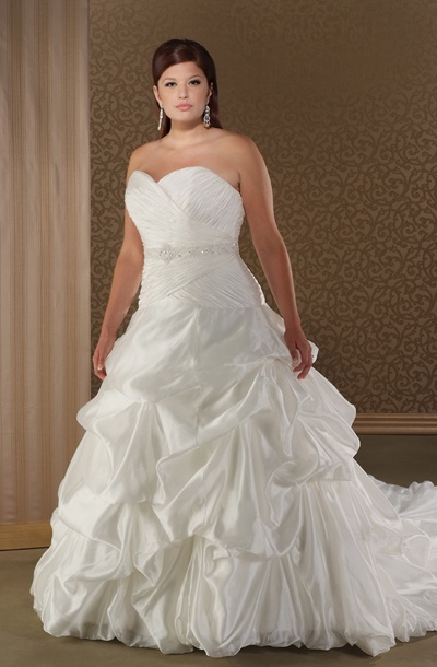 1000 images about curvaceous couture bridal gowns on for A princess bride couture bridal salon