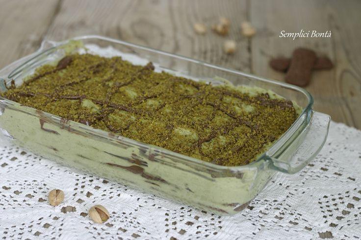Il tiramisù al pistacchio e nutella è un dolce golosissimo , si preparara senza cottura e con poche semplici mosse . Con ricetta e videoricetta :