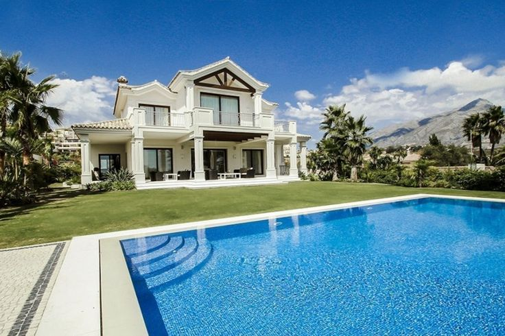 A Stunning Luxury Villa in La Cerquilla For Sale
