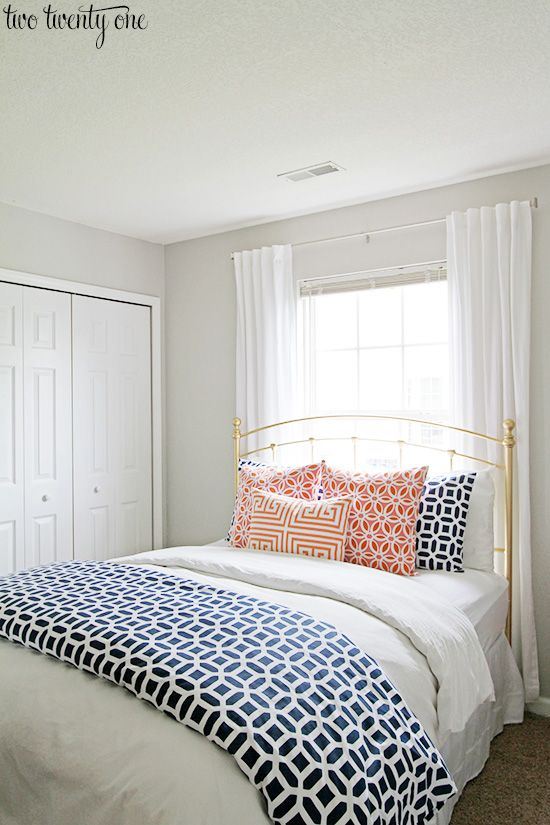 Best 25 Window Behind Bed Ideas On Pinterest Curtains