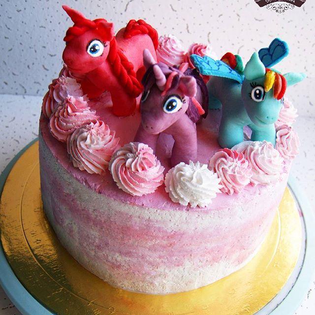 Тортик на день рождения маленькой принцессы с фигурками Литтл пони из мастики👸🐴