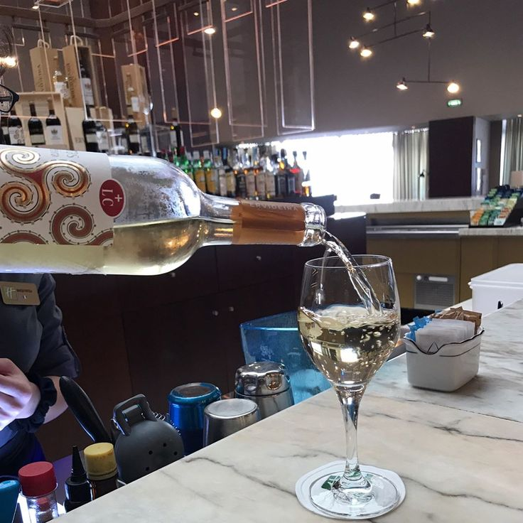 "135 Likes, 7 Comments - 💃🏽WineGirl (@perthwinegirl) on Instagram: ""Crisp & refreshing wine of the month from @adega_ervideira at the cute bar @holidayinnportogaia."""