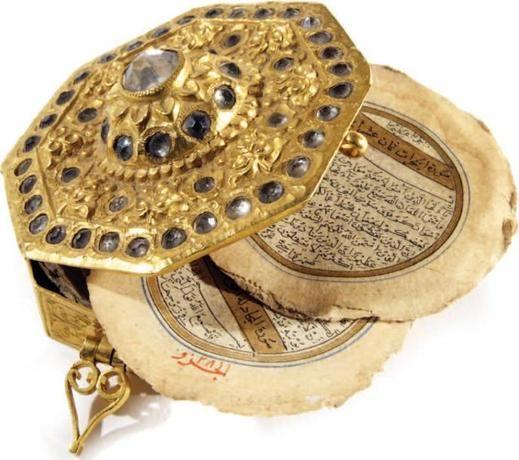 Miniature Safavid Octogonal Quran Manuscript