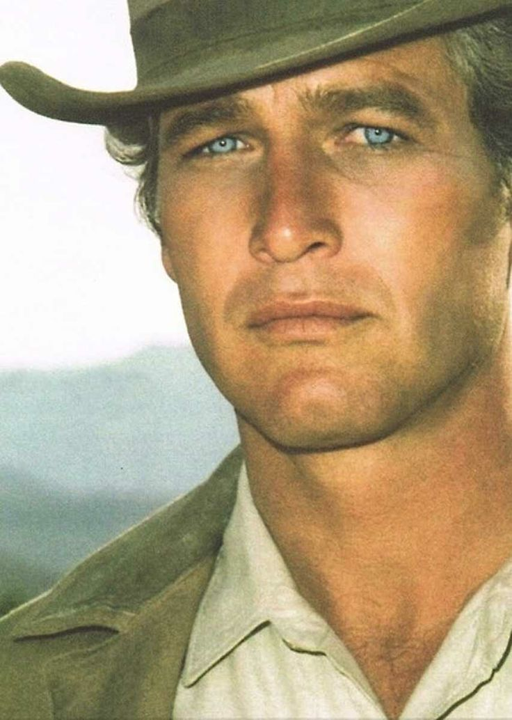 Paul Newman - those eyes ..! - ONE OF THE MOST BEAUTIFUL MEN IN THE WORLD!