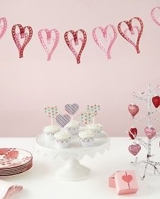 Paper Hearts Banner | Step-by-Step | DIY Craft How To's and Instructions| Martha Stewart