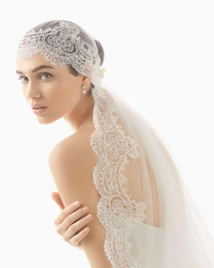Accessori da sposa Rosa Clarà dalla collezione 2017 - Velo con ricami