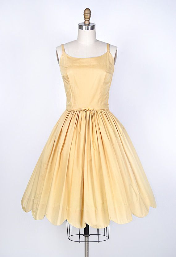 167 best images about YELLOW DRESSES 1950 on Pinterest | Organza ...
