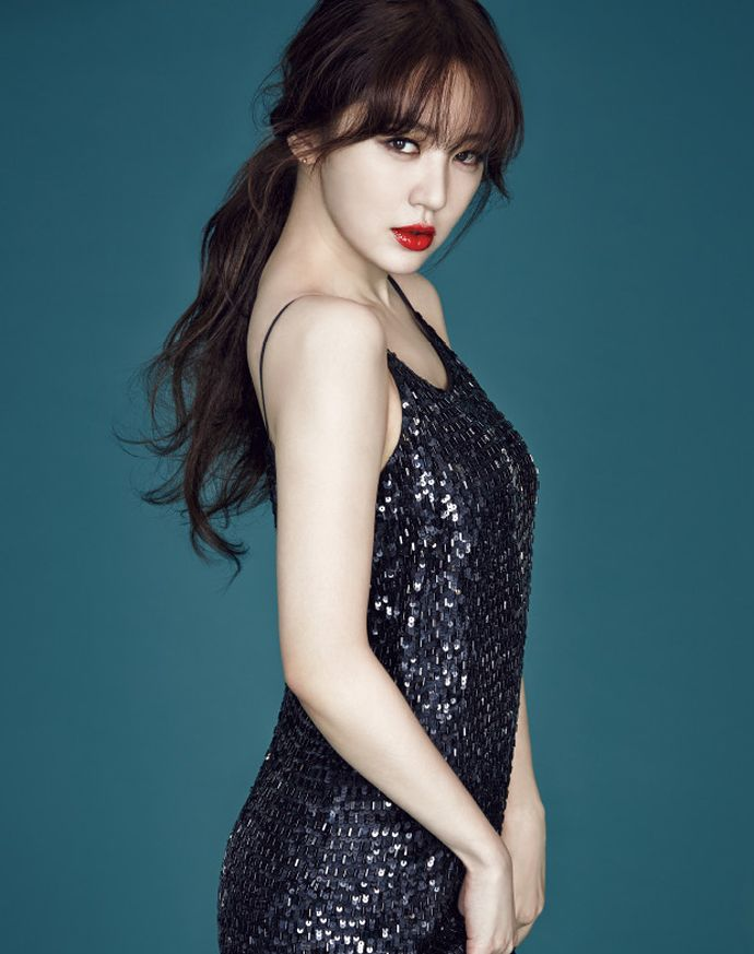 statement red lip x sparkly #dress :: Yoon Eun Hye for High Cut, Vol. 134