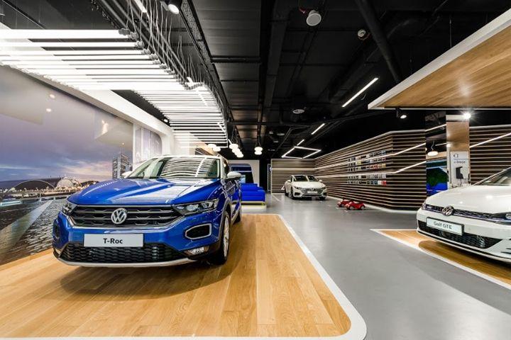 Volkswagen Home By Mode Lina Warsaw Poland Retail Design Blog Car Showroom Design Showroom Design Volkswagen