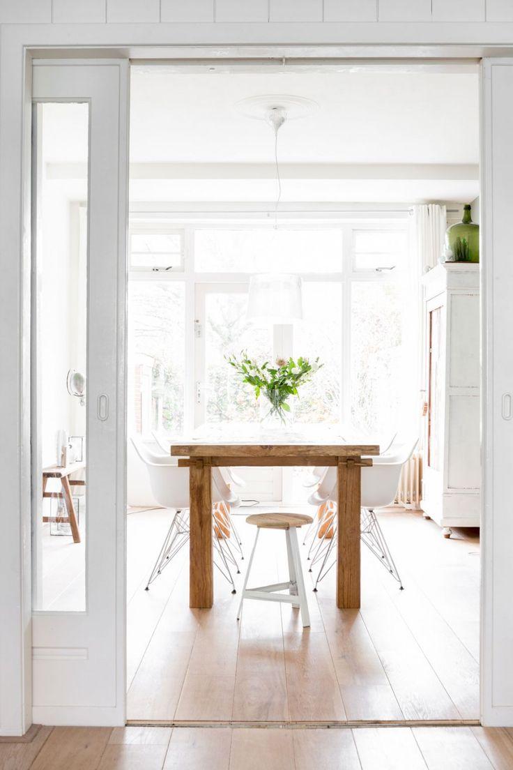 Mooie houten tafel met stoeltjes van Vitra - Eames