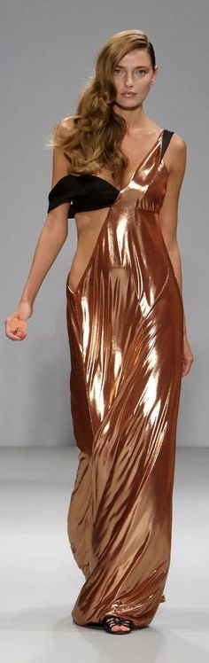 Rose Gold Lame / William Tempest Love the draping.