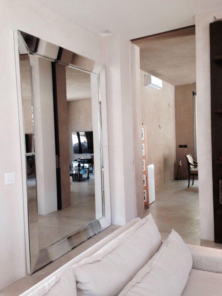 Marco de espejo, medida 2,80 x 1,70.  Todo revestido en espejo biselado, laterales en espejo. #Espejo #Biselado #Vestidor #Recibidor #Marcoespejo #Atril23