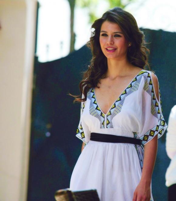 Beren Saat : love that dress!