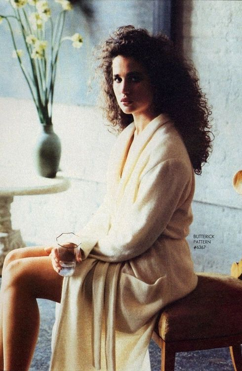 Vogue US, November 1984, Photographer : Elizabeth Novick, Model : Andie MacDowell