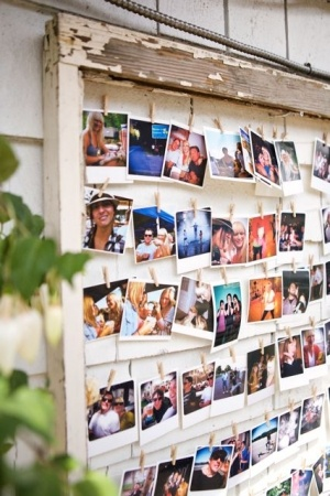 Photo/Polaroid display.