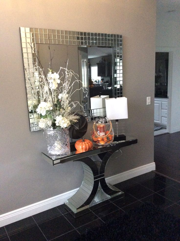 Great photo of our Michael Mirror over one of our Mirrored Console Tables. Submission by Sheryl Braun