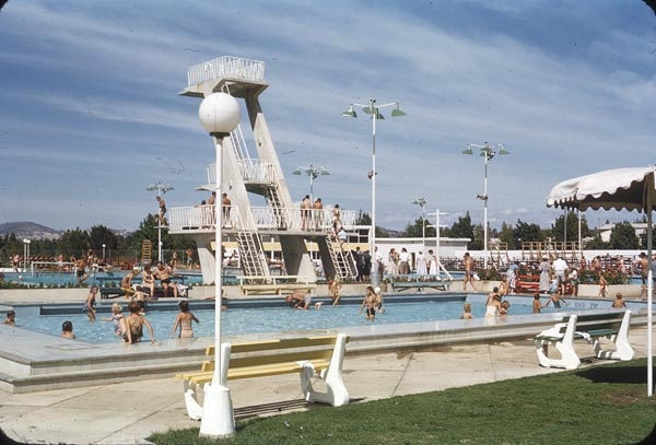 Canberra Olympic Pool, Canberra Dept. of Works (Canberra): 1955.