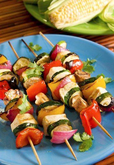 Die besten Rezepte für einen Veggie-Grillabend: http://www.gofeminin.de/kochen-backen/vegetarisch-grillen-d20319.html  #vegetarisch #grillen