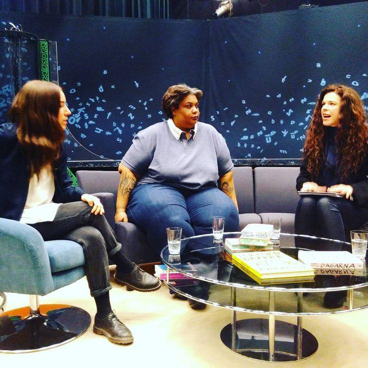 Klara Wiksten i Babelstudion med Roxane Gay och Jessika Gedin.