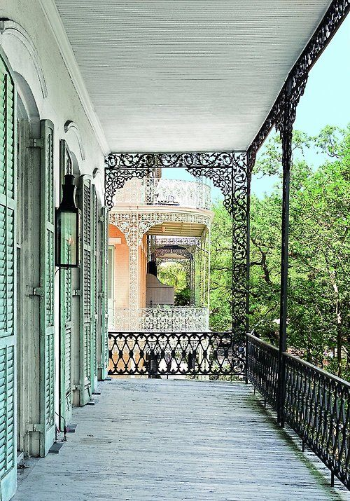 southerlyhouse: Love wrought iron laced galleries.