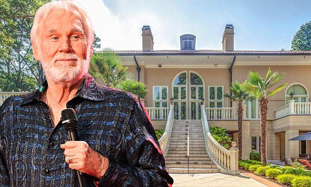 Kenny Rogers Sells His Opulent Six Bedroom Atlanta Mansion Celebrity Mansions Atlanta Mansions Celebrity Houses