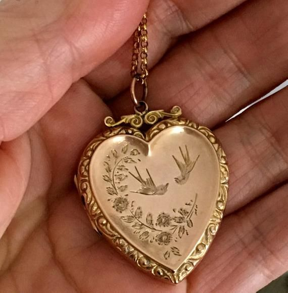 MOTHER OF PEARL SILVER GOLD VINTAGE LOCKET STYLE PHOTO BIRD NECKLACE MOTHERS DAY
