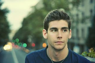 Alvaro Soler (April 16, 1991) Spanish/ German singer. He looks so young on this pic! OmG!