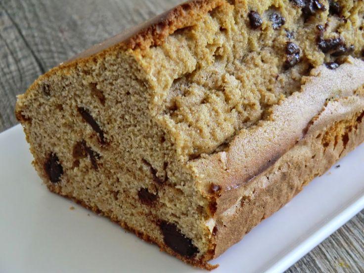 Cake à la farine de châtaigne, aux amandes et aux pépites de chocolat sans gluten et sans lactose