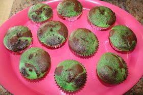 Let's Have A Party!: Duck Dynasty Party  Camo cupcakes and maybe a camo cookie cake for Harlee's 11th party