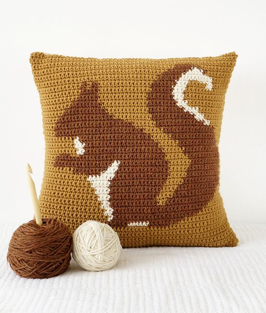 Ravelry: Squirrel Cushion pattern by Little Doolally