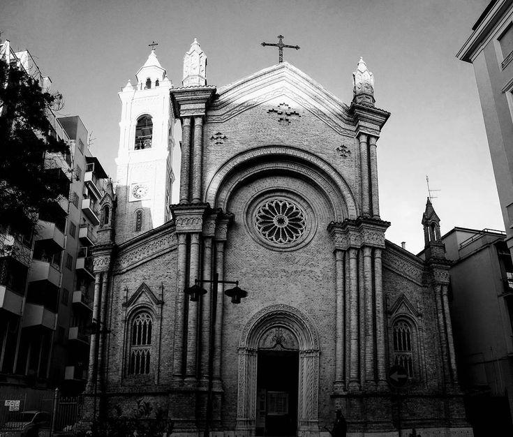 """0 aprecieri, 1 comentarii - 🌍🌎🌏#eHaiHui.net #SecretTRIP.ro (@ehaihui.secrettrip) pe Instagram: """"😀 Ghicește cineva unde am fotografiat noi aceasta biserica? 🔎 Indiciu: Am fost în acel oraș din 🇮🇹…"""""""