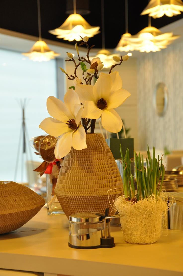 EMTEA Bílá kavárna a čajovna Liberec Plaza - ECO VASE / Eko váza -  Design Moniek Vanden Berghe